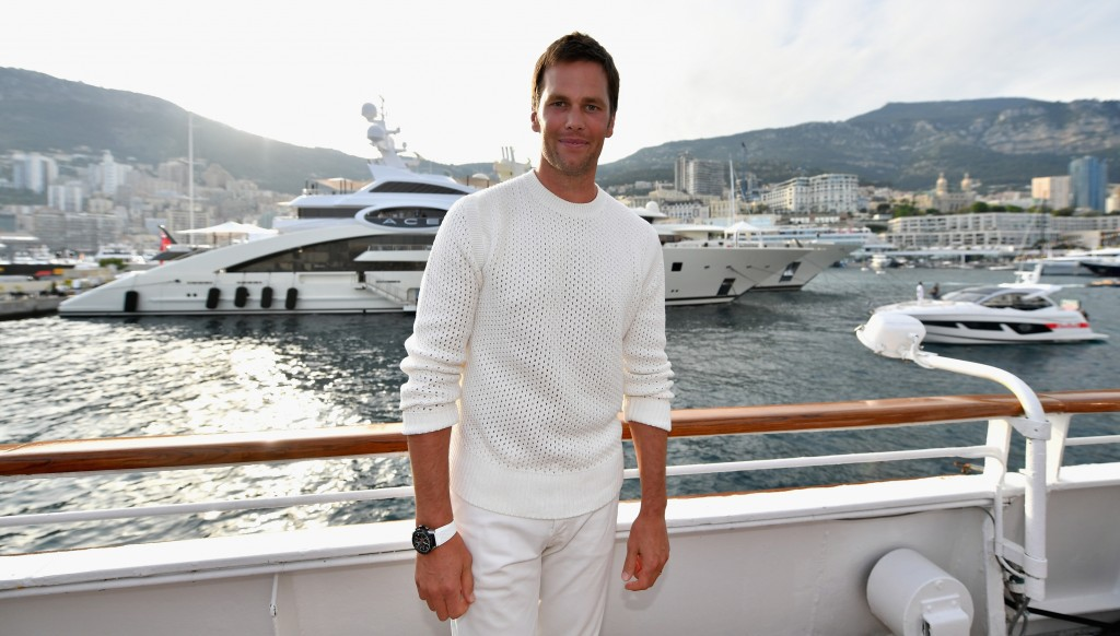 See? Yachts are nothing new to Tom Brady. Get him a tie instead.