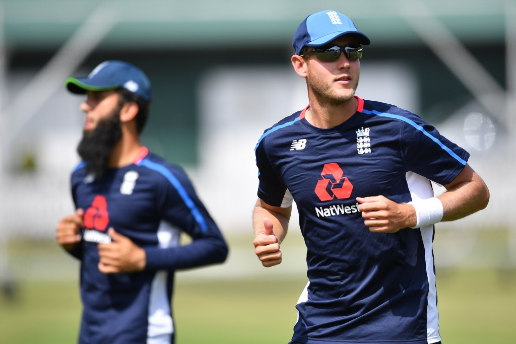 England's Stuart Broad (R) and Moeen Ali attends training session at Lord's Cricket Ground in London on August 7, 2018 ahead of the second Test cricket match between England and India. (Photo by BEN STANSALL / AFP) / RESTRICTED TO EDITORIAL USE. NO ASSOCIATION WITH DIRECT COMPETITOR OF SPONSOR, PARTNER, OR SUPPLIER OF THE ECB (Photo credit should read BEN STANSALL/AFP/Getty Images)