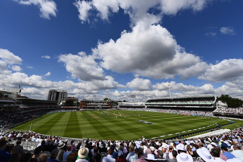 LONDON, ENGLAND - JULY 14: A general view of the cricket ground during day one of the 1st Investec Test match between England and Pakistan at Lord's Cricket Ground on July 14, 2016 in London, England. (Photo by Shaun Botterill/Getty Images)
