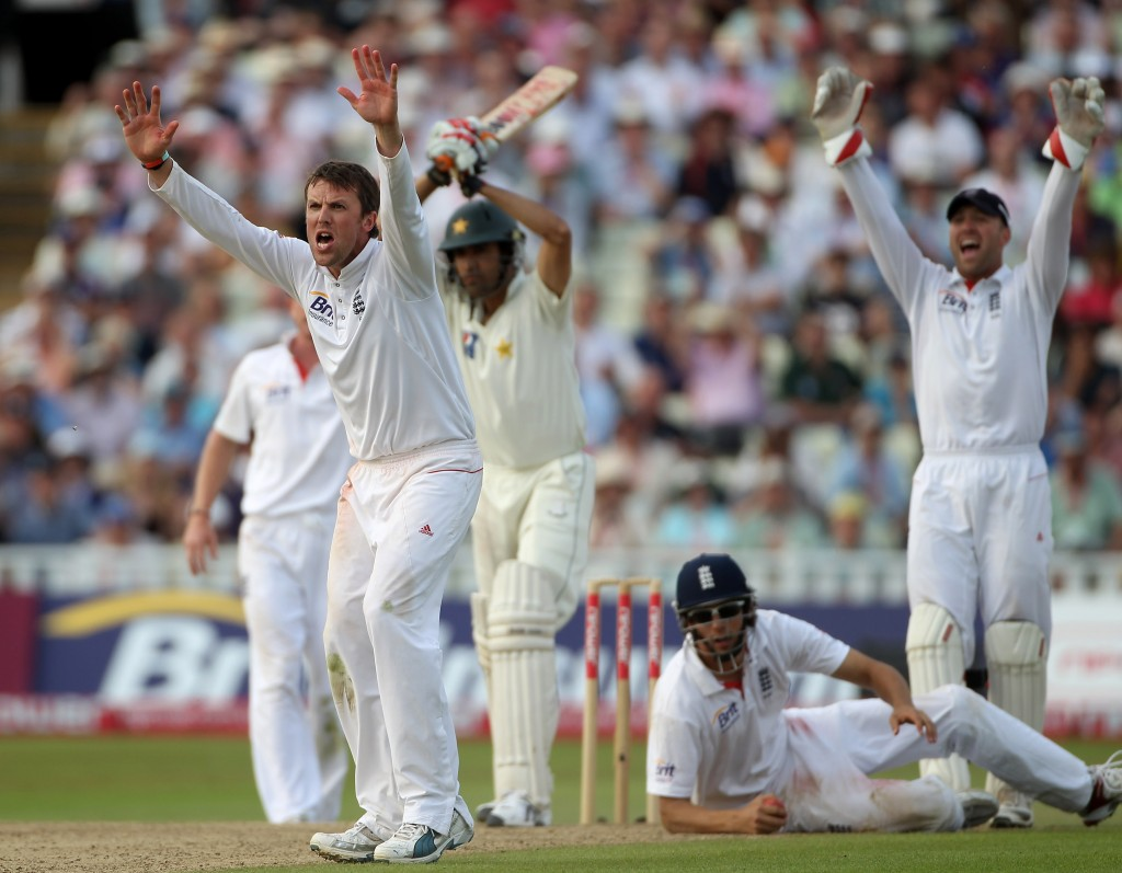 Graeme Swann took 6 for 65 against-Pakistan