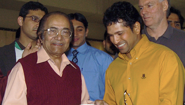 The original 'Little Master' Hanif Mohammed with Sachin Tendulkar in Karachi in 2006.