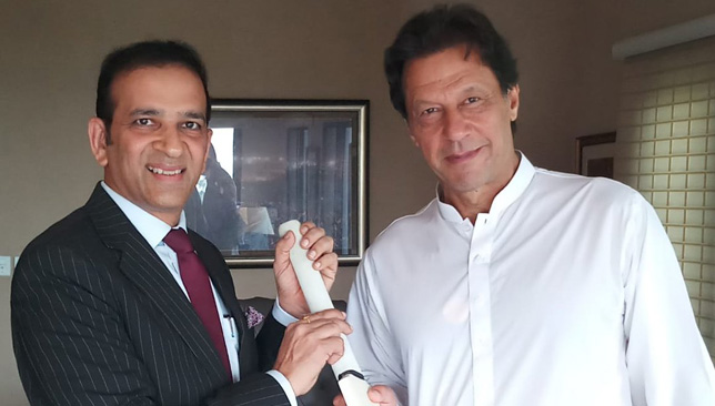 Pakistan Prime Minister-elect Imran Khan with Indian High Commissioner Ajay Bisaria. Image: Govt of India/Twitter.