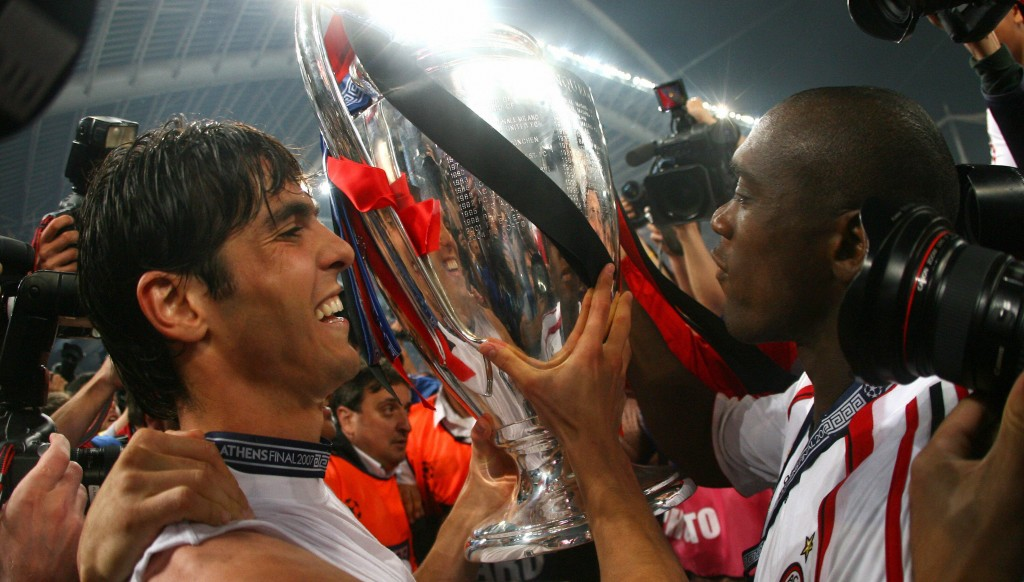 Clarence Seedorf and Kaka lift the fourth and last of the Dutchman's Champions League title in 2007.