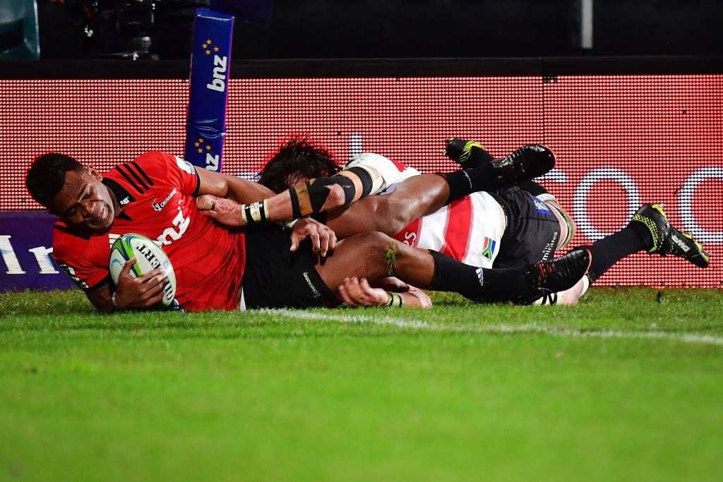 Seta Tamanivalu goes over for the Crusaders opening try.