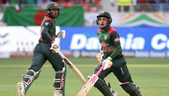 Mushfiqur Rahim's career-best 144 took Bangladesh to 261.