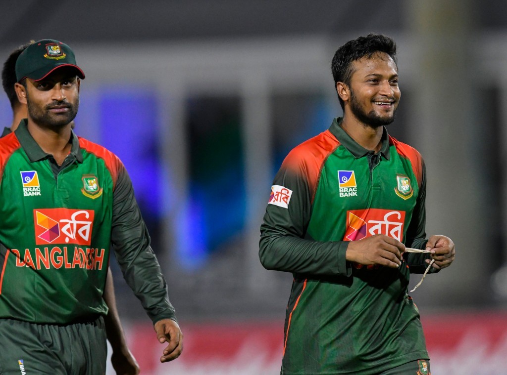 Both Tamim Iqbal (l) and Shakib (r) are struggling with injuries.