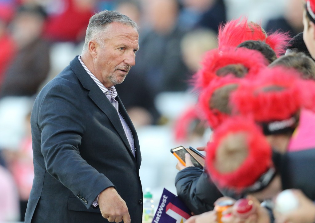 Ian Botham was the last England cricketer to be knighted.
