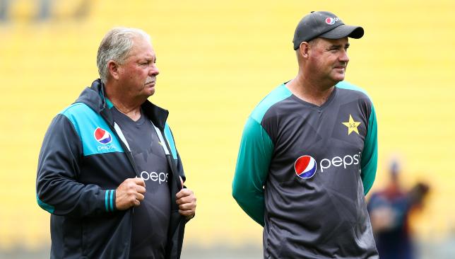 Pakistan's former fielding coach: Steve Rixon (l).