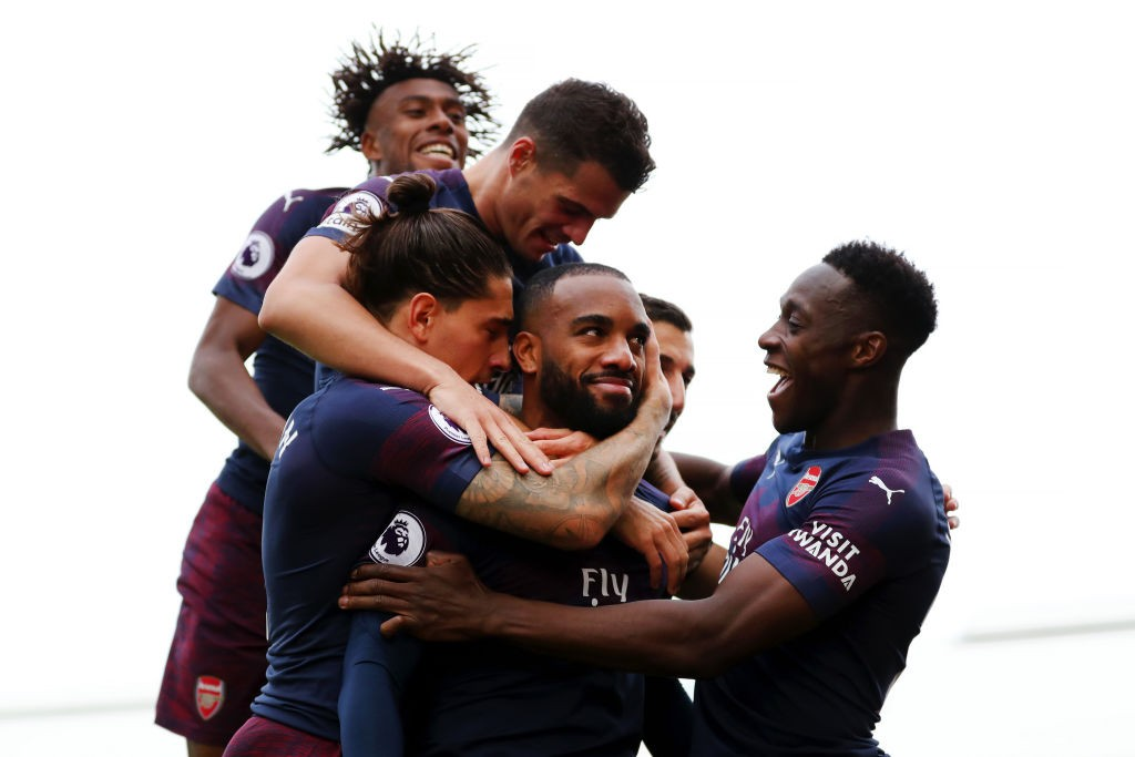 Alexandre Lacazette and the Arsenal players celebrate