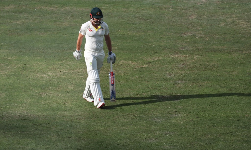 Mitch Marsh leaves the field after being dismissed again