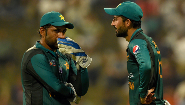 Sarfraz Ahmed (left) had a poor Asia Cup in the UAE