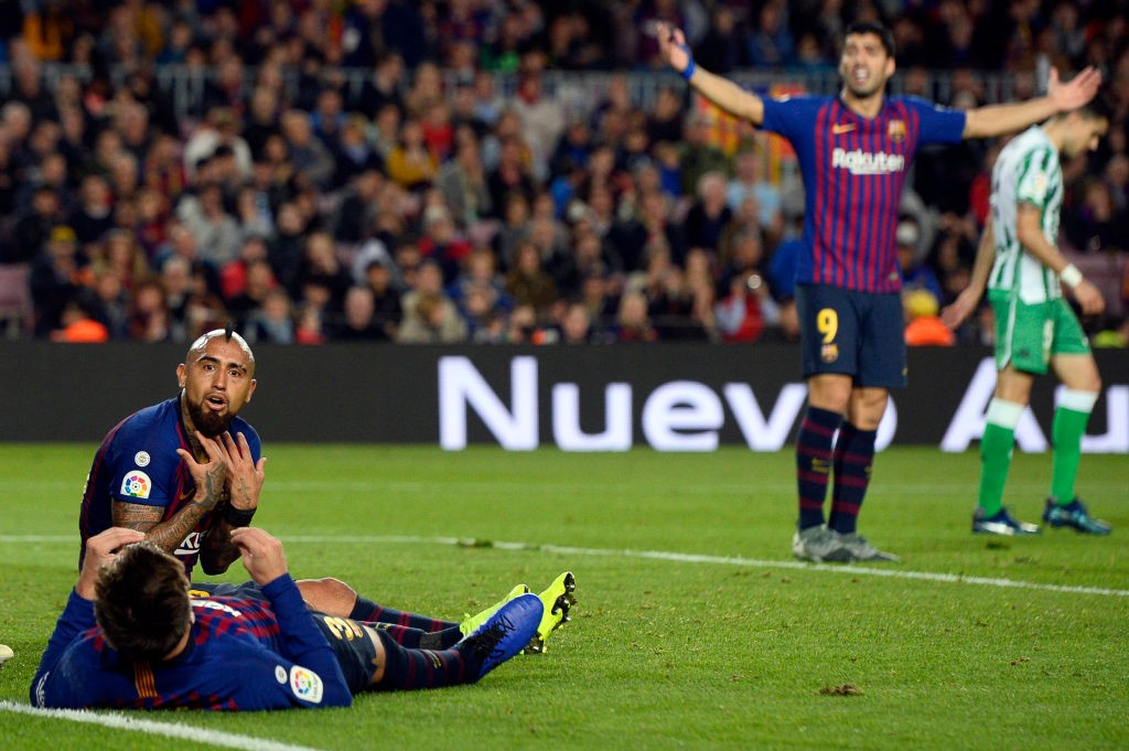 Barcelona lose control.