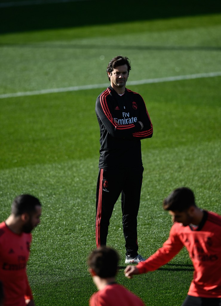 Real Madrid's Argentinian coach Santiago Solari attends a training session at the Ciudad Real Madrid training facilities at Madrid's suburb of Valdebebas on December 11, 2018, on the eve of the UEFA Champions League group G football match Real Madrid CF against PFC CSKA Moscow. (Photo by OSCAR DEL POZO / AFP) (Photo credit should read OSCAR DEL POZO/AFP/Getty Images)