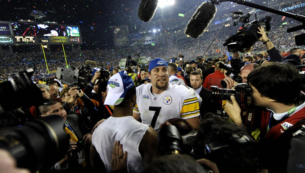 Roethlisberger celebrates a second Super Bowl triumph in 2009.