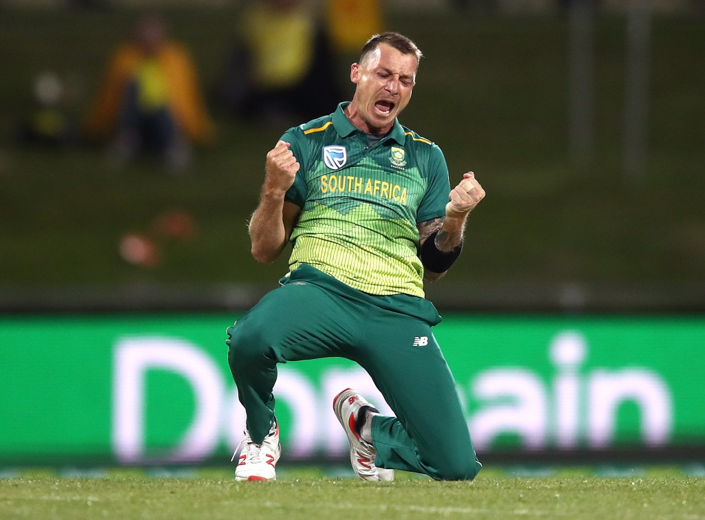 No takers for Dale Steyn.