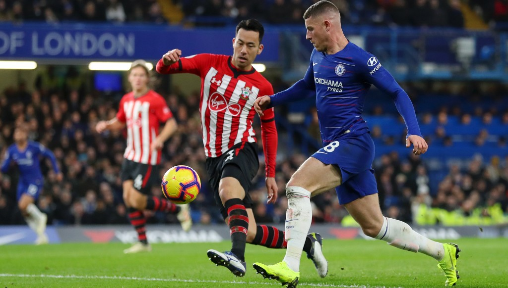 Yoshida, in his seventh season with Saints, keep Chelsea' s Ross Barkley in check.