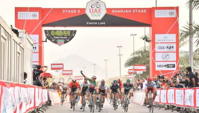 Elia Viviani wins Stage 5 of the UAE Tour.