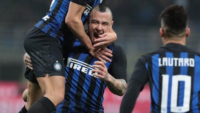 Radja Nainggolan celebrates his winner for Inter.