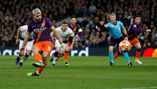 Aguero missed from the spot for City