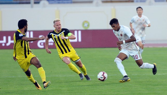 Yahya Al Ghassani (right) in action last season [Credit: Pro League]