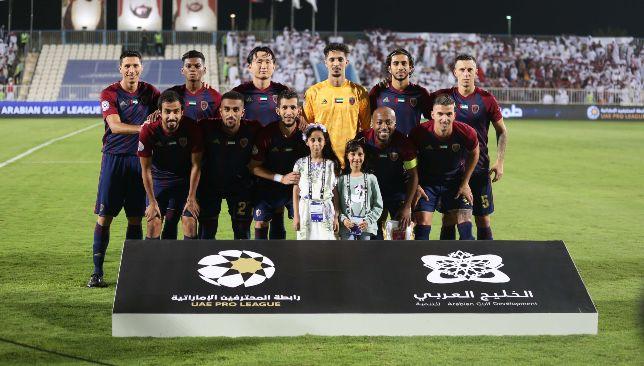Mohammed Al Shamsi (rangée arrière, 3e l) (UAE Pro League).