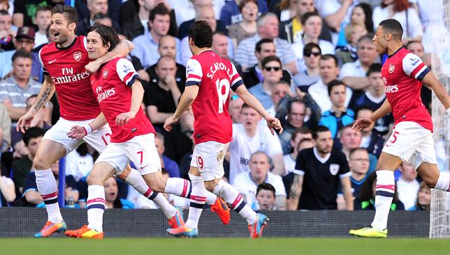 Rapid Rosicky: Tomas Rosicky (2nd-L) scored inside two minutes to hand Arsenal victory.