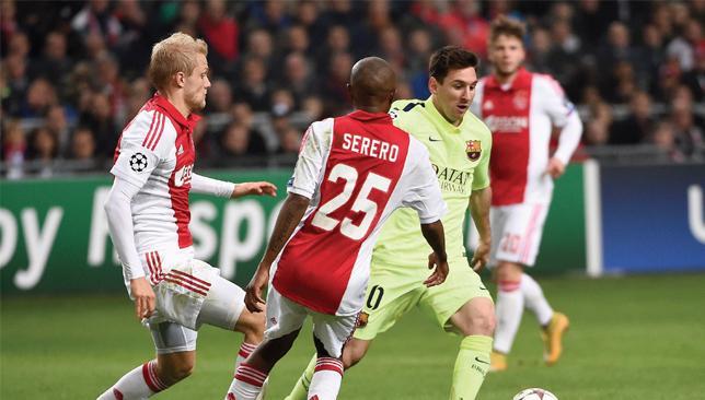 Un jugador se vio obligado a colgar la camiseta de Messi al ver la suya en su colección