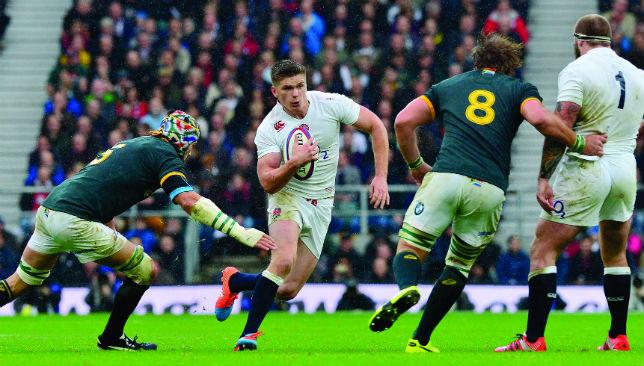 Under pressure: Owen Farrell tries to escape the attentions of Victor Matfield at Twickenham on Saturday.